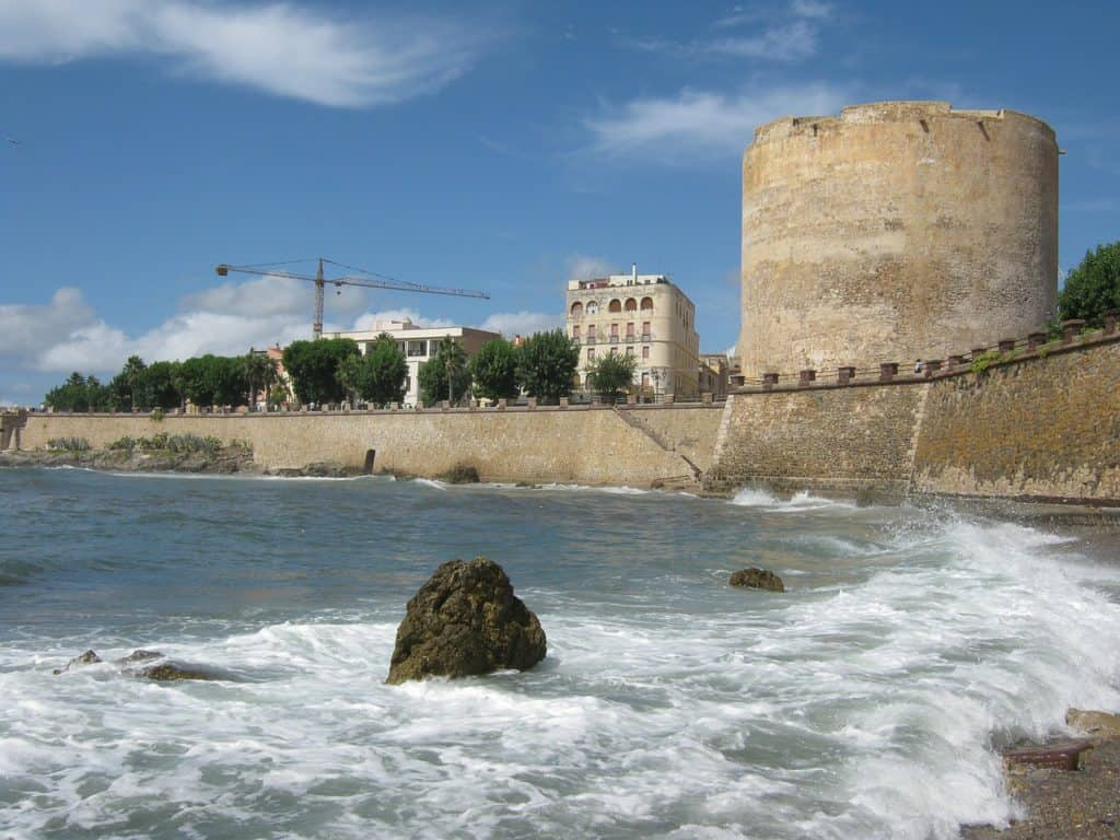 Image of the ramparts in Alghero. Walking them is described in the article as one of the best things to do in Alghero