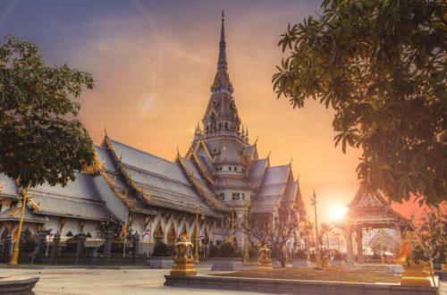 grand palace at sunset when visiting Bangkok with kids