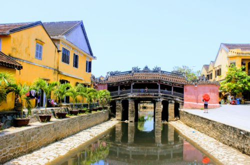 Vietnam with Kids, Japanese bridge in Hoi An