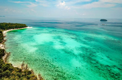 view over stunning turquoise sea - Koh Lipe with kids