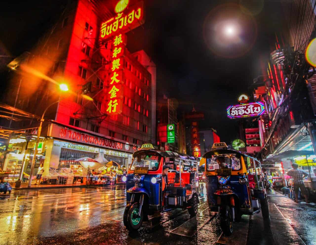 Tuk Tuk at night. If you are wondering where to stay in Bangkok, Sukhumvit Road is a good choice