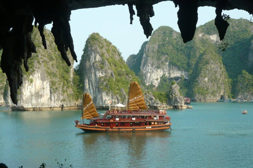 sail ship infornt of karst island in Halong Bay, Vietnam 10 day itinerary